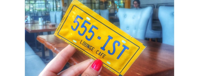 555 - Ist Lounge Cafe is one of Tempat yang Disukai Ferhat.