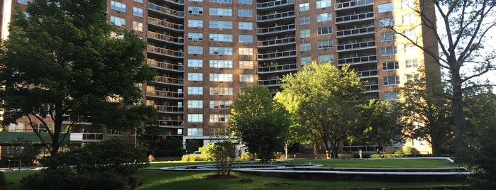 Parker Towers is one of Locais curtidos por Wesley.