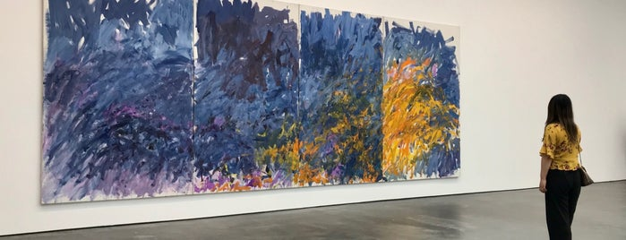 David Zwirner Gallery is one of Orte, die Enrique gefallen.