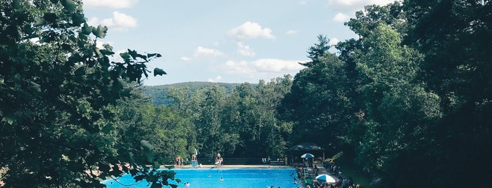Bear Mountain Pool is one of Jonさんのお気に入りスポット.