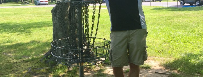 Calvert Road Disc Golf Course is one of Summerさんのお気に入りスポット.