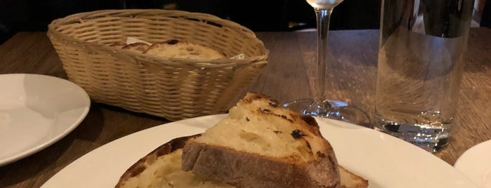Il Vicoletto is one of Dublin: Favourites & To Do.