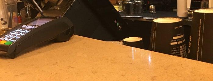 Coco Espresso Bar is one of Alled'in Beğendiği Mekanlar.