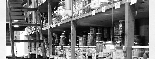 Aliweiss is one of Mercado Gourmet.