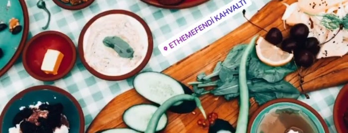 Ethem Efendi Kahvaltı is one of Locais salvos de Demet.