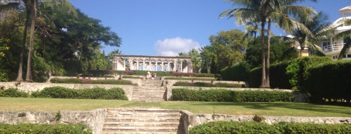 Versailles Gardens is one of nassau 🌴.