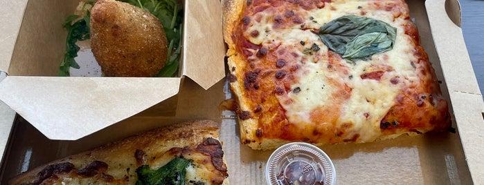 Prince Of Venice Pasta & Pizza is one of Sam'ın Beğendiği Mekanlar.