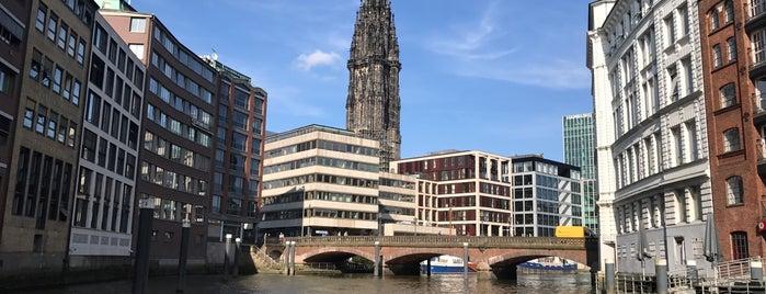 Nikolaifleet is one of Hamburg.