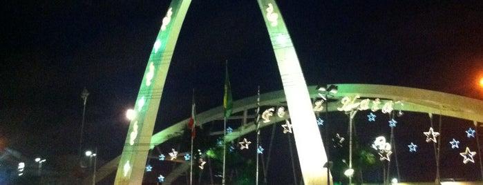 Decoração de Natal Prefeitura de Osasco is one of สถานที่ที่ Vivian ถูกใจ.