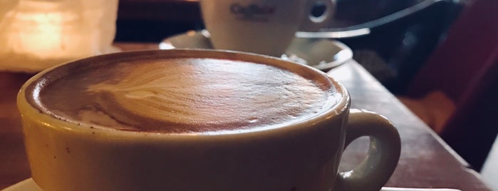 Kaffesatz is one of Lieux qui ont plu à Elena.