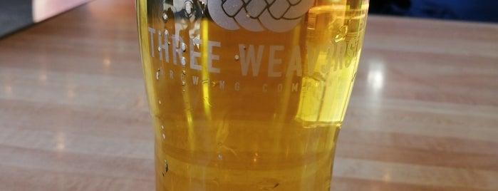 Three Weavers Brewery is one of Lieux qui ont plu à Maki.