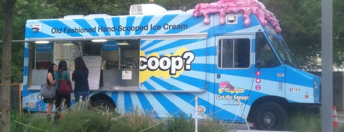 What's Da Scoop? is one of Tempat yang Disukai Jen.