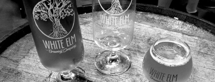 White Elm Brewery is one of Kristaさんのお気に入りスポット.
