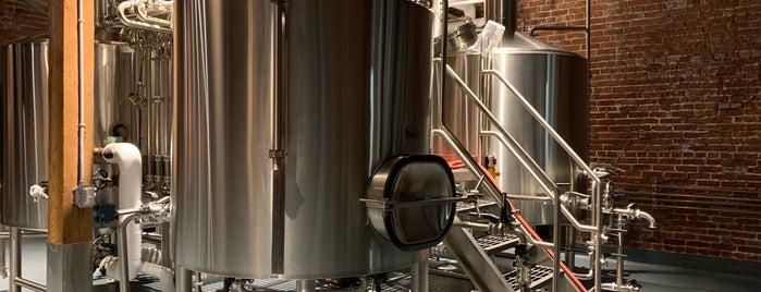 Wayfinder Beer is one of Orte, die PDX gefallen.