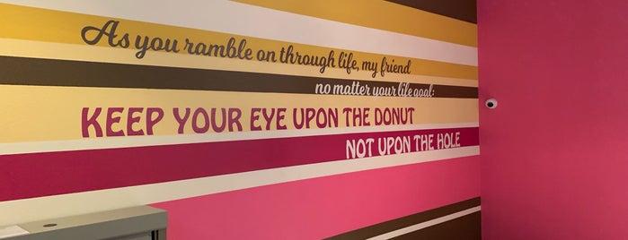 Sesame Donuts is one of Locais curtidos por Ian.