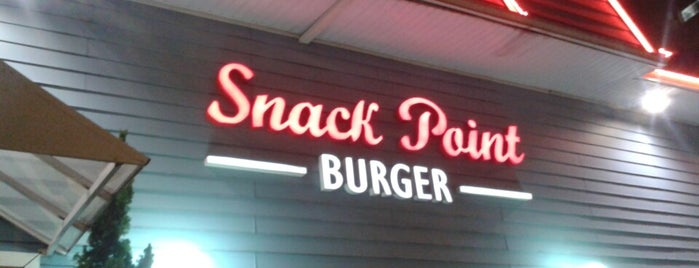 Snack Point Burger is one of Fernandoさんの保存済みスポット.
