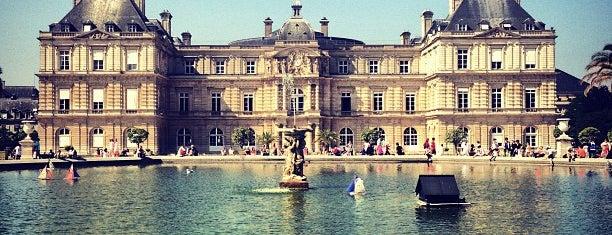 Lüksemburg Bahçesi is one of Paris Places To Visit.