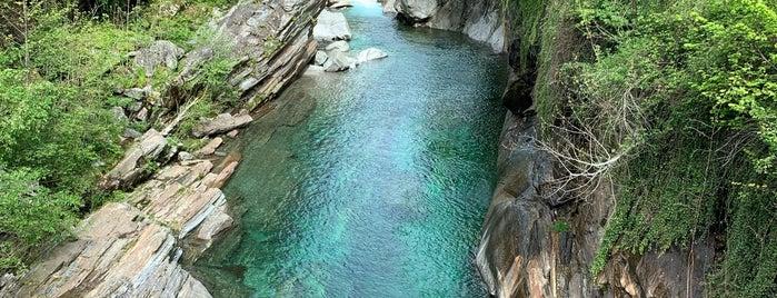 Ponte dei Salti is one of Locais curtidos por John.