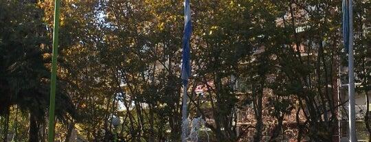 Plaza Vicente López y Planes is one of Giuli'nin Beğendiği Mekanlar.