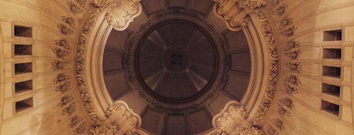 Palacio Barolo is one of To An.