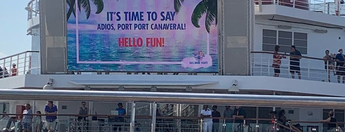 Carnival Liberty is one of Sarahさんのお気に入りスポット.
