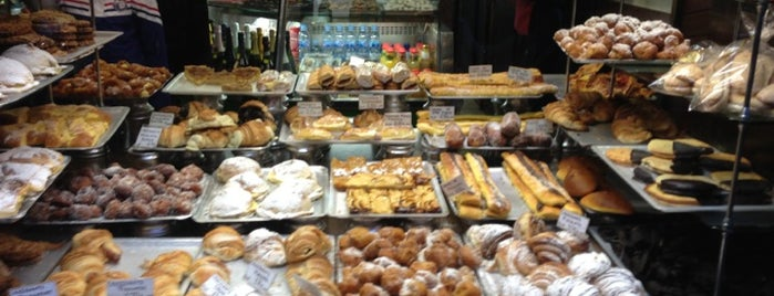 Forn de Sant Jaume is one of Breakfast and nice cafes in Barcelona.