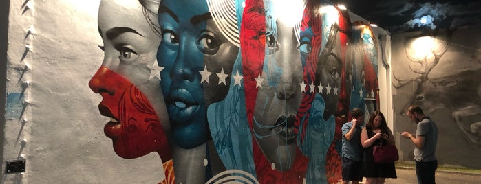 The Wynwood Walls is one of Lugares favoritos de Rishi.