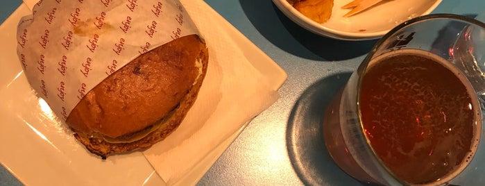 Illegal Burger is one of Tempat yang Disukai Louise.