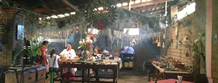 Restaurante Hacienda de Cuilapam is one of Fer 님이 좋아한 장소.