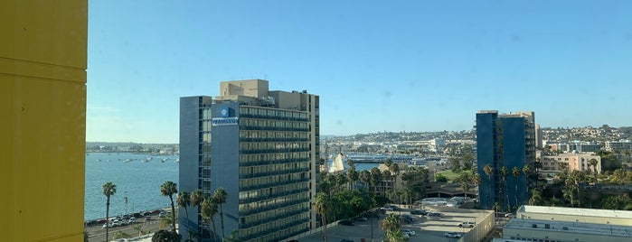 Residence Inn by Marriott San Diego Downtown/Bayfront is one of Locais curtidos por Karen.