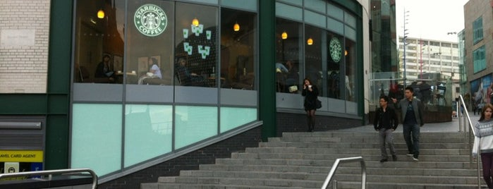 Starbucks is one of Locais curtidos por Kevin.