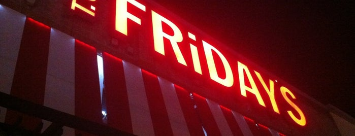 T.G.I. Friday's is one of Por ai... em Santiago (Chile).