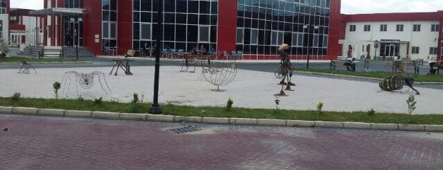 Güzel Sanatlar Fakültesi is one of Tempat yang Disukai Yalçın.