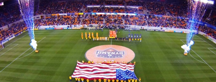 BBVA Compass Stadium is one of Locais curtidos por Saul.