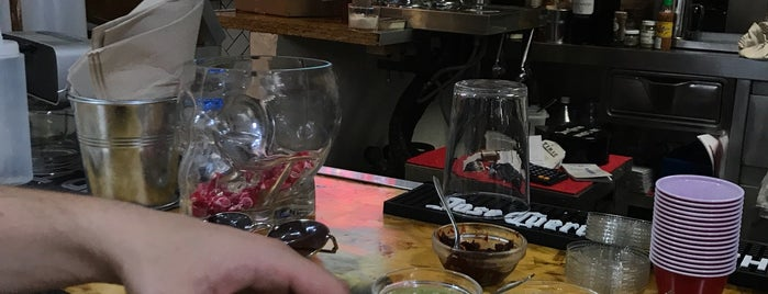 CUXTA Antojitos-Beer & Shop is one of Tapeo.