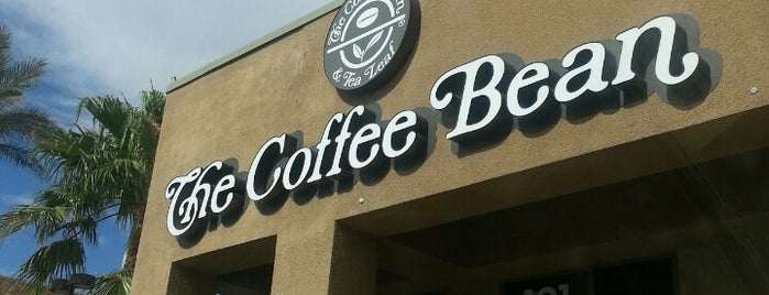 The Coffee Bean & Tea Leaf is one of Lizさんのお気に入りスポット.