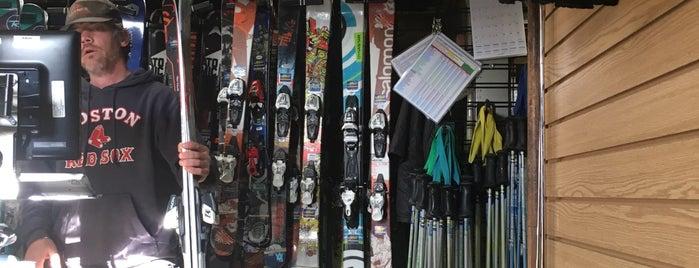 Tahoe Dave's Skis & Boards is one of Orte, die Xiaoyu gefallen.