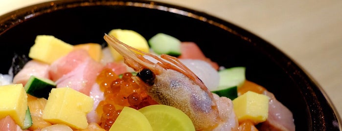 Senmi Sushi is one of Lucia : понравившиеся места.