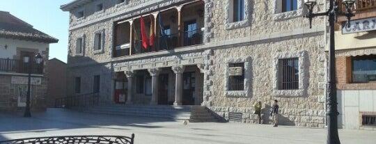 Plaza De Manzanares El Real is one of สถานที่ที่ Miguel ถูกใจ.