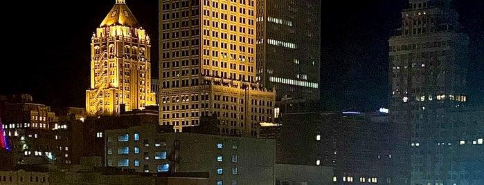 Hotel Indigo Tulsa Downtown is one of IrmaZandl : понравившиеся места.