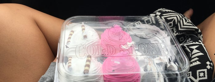 Cold Stone Creamery is one of Janelle 님이 좋아한 장소.
