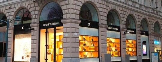 Louis Vuitton is one of Orte, die Anastasia gefallen.
