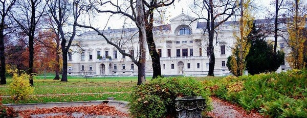 Liechtensteinpark is one of Best sport places in Vienna.