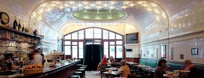 Café Paris is one of Hamburgs best.