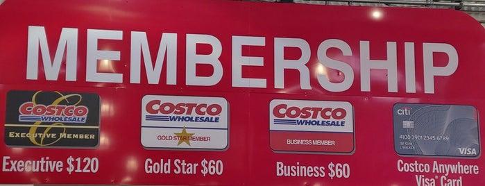 Costco Wholesale is one of Lugares favoritos de Karen.