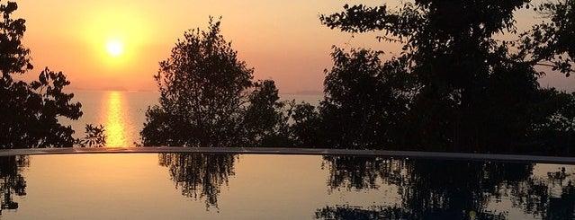 Santhiya Koh Yao Yai Resort & Spa is one of Tempat yang Disukai 🐝Nhag.