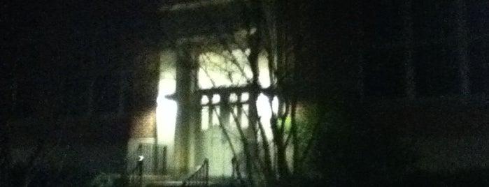Wickersham Hall is one of Orte, die Chrissy gefallen.