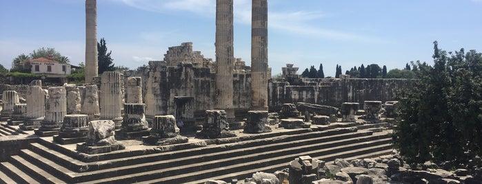 Apollon Tapınağı is one of ♏️UTLU'nun Beğendiği Mekanlar.