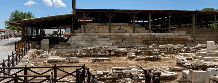 Hekatomnos Anit Mezarı is one of Locais curtidos por ♏️UTLU.