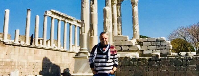 Acropolis Pergamon is one of ♏️UTLUさんのお気に入りスポット.